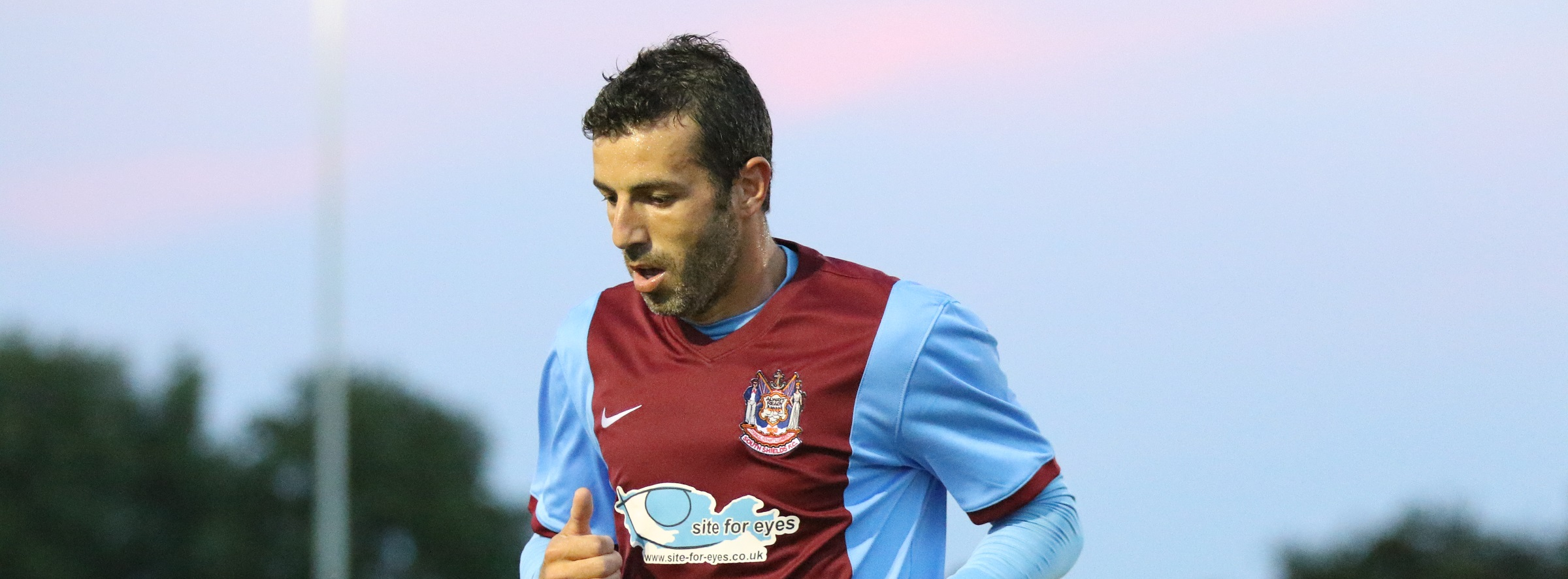 Julio Arca commits future to Mariners by signing contract