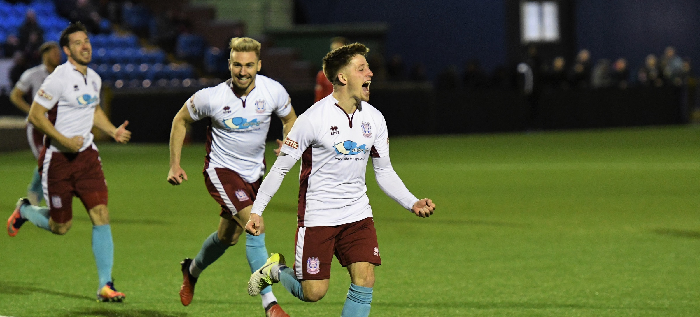 Hyde United 1-1 South Shields: Impressive Mariners stay top