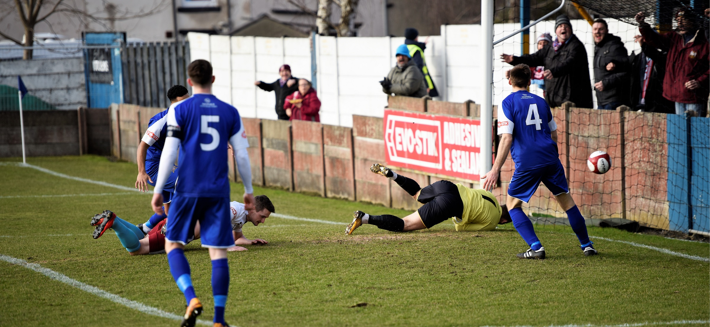 Clitheroe 0-1 South Shields: Armstrong header seals hard-fought win