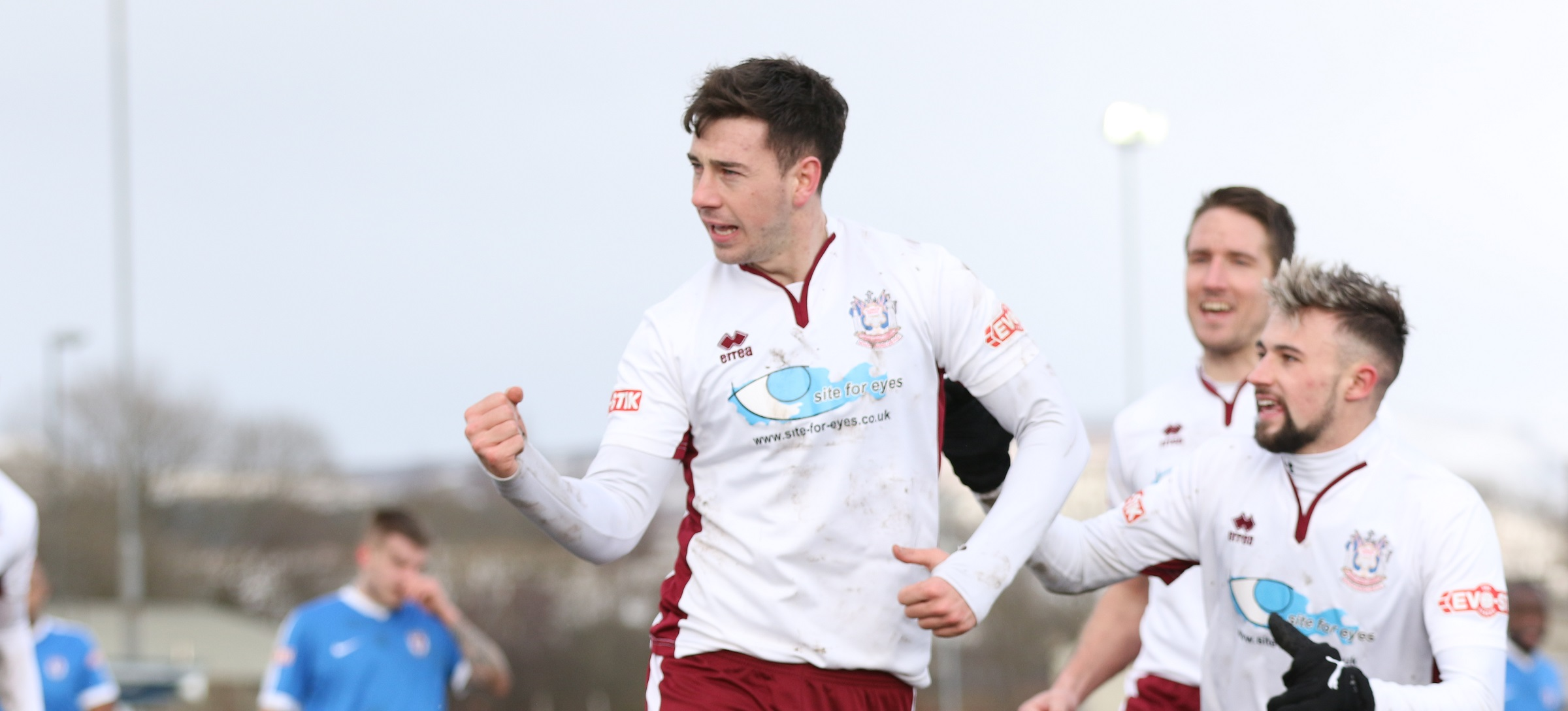 Glossop North End 1-3 South Shields: Mariners win in tough conditions