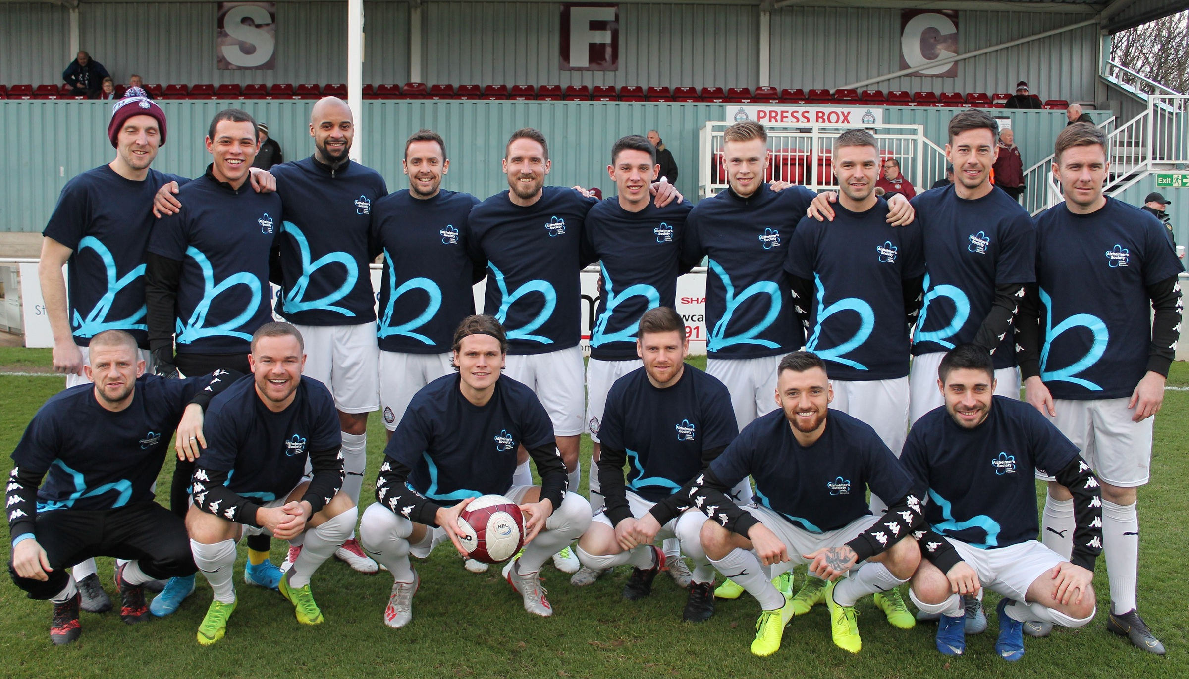 Mariners show support for fight against dementia