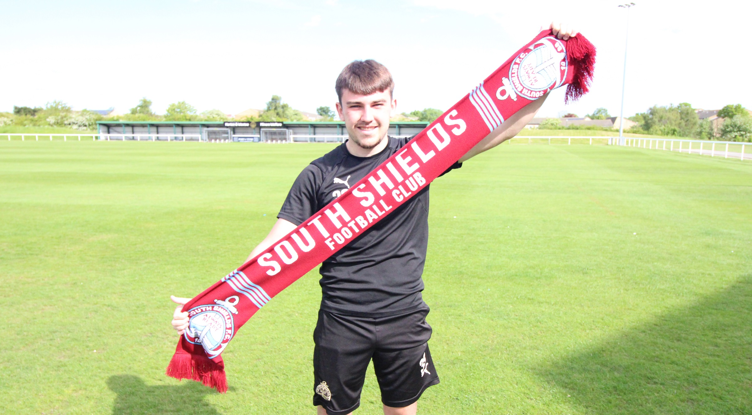 Blair Rossiter signs first senior contract